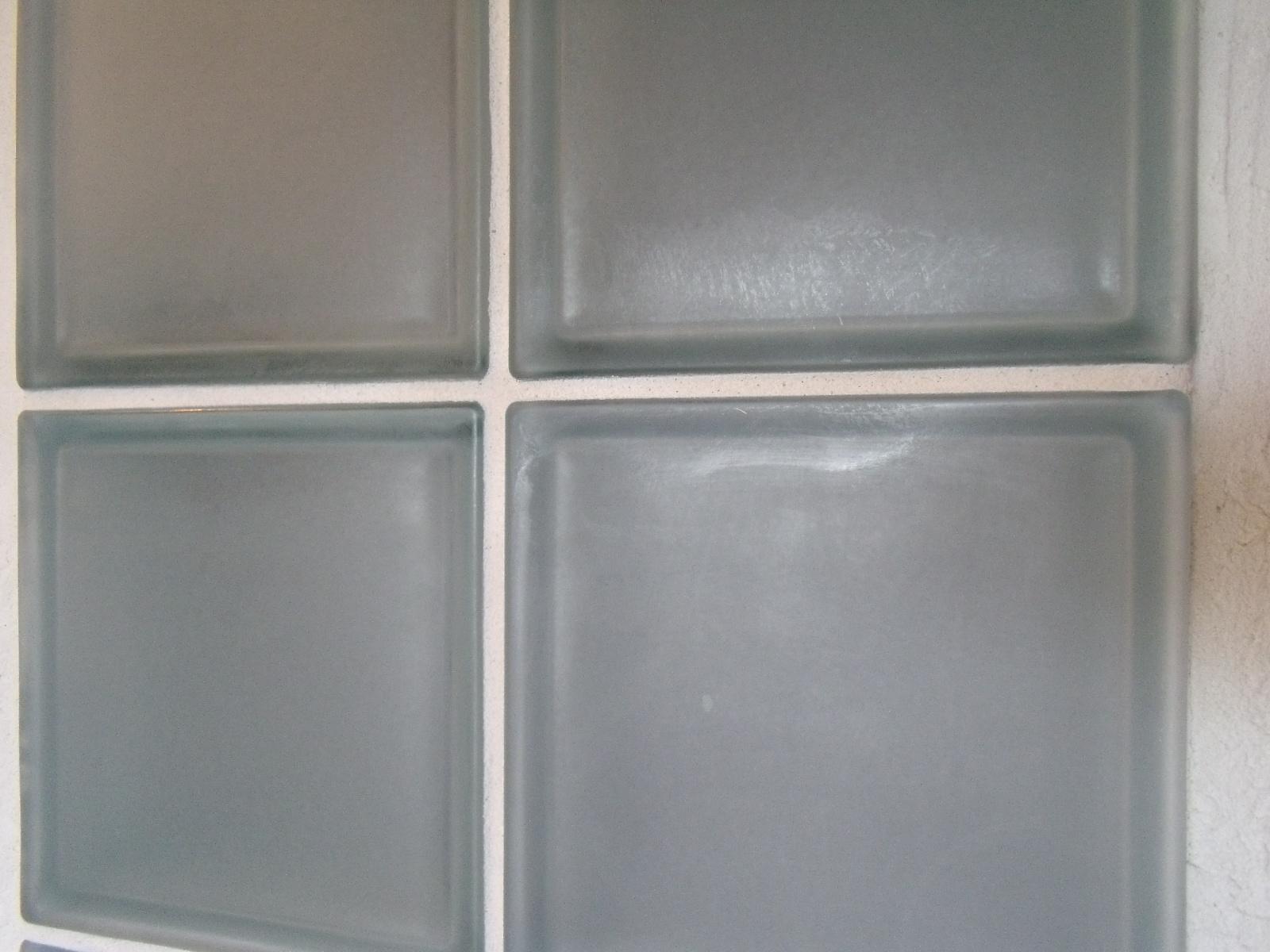 Resultado de imagem para paredes de vidro fosco