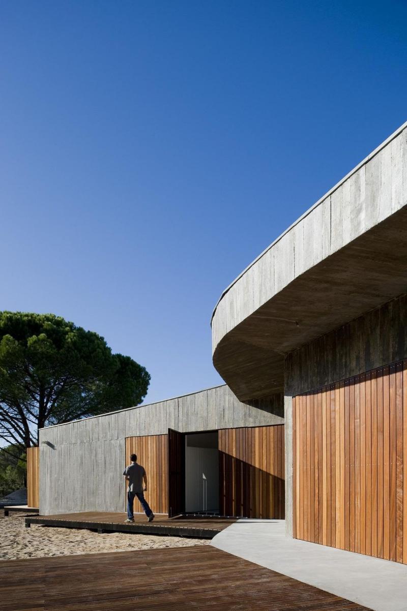 Casa-Monte_Pereira-Arquitectos_03.jpg