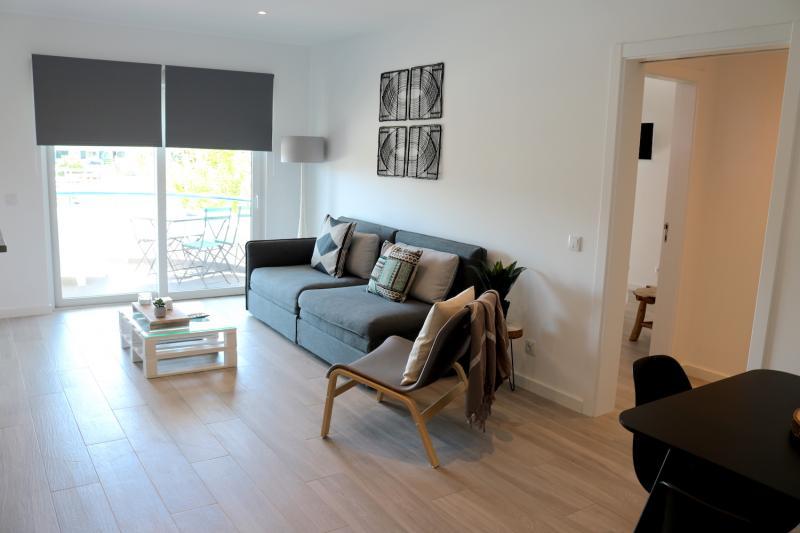 6 - Living Room.JPG