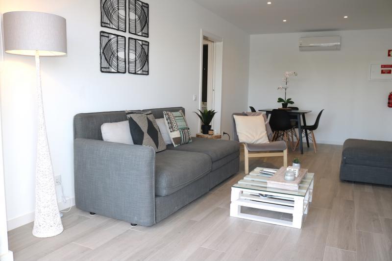 7c - Living Room.JPG
