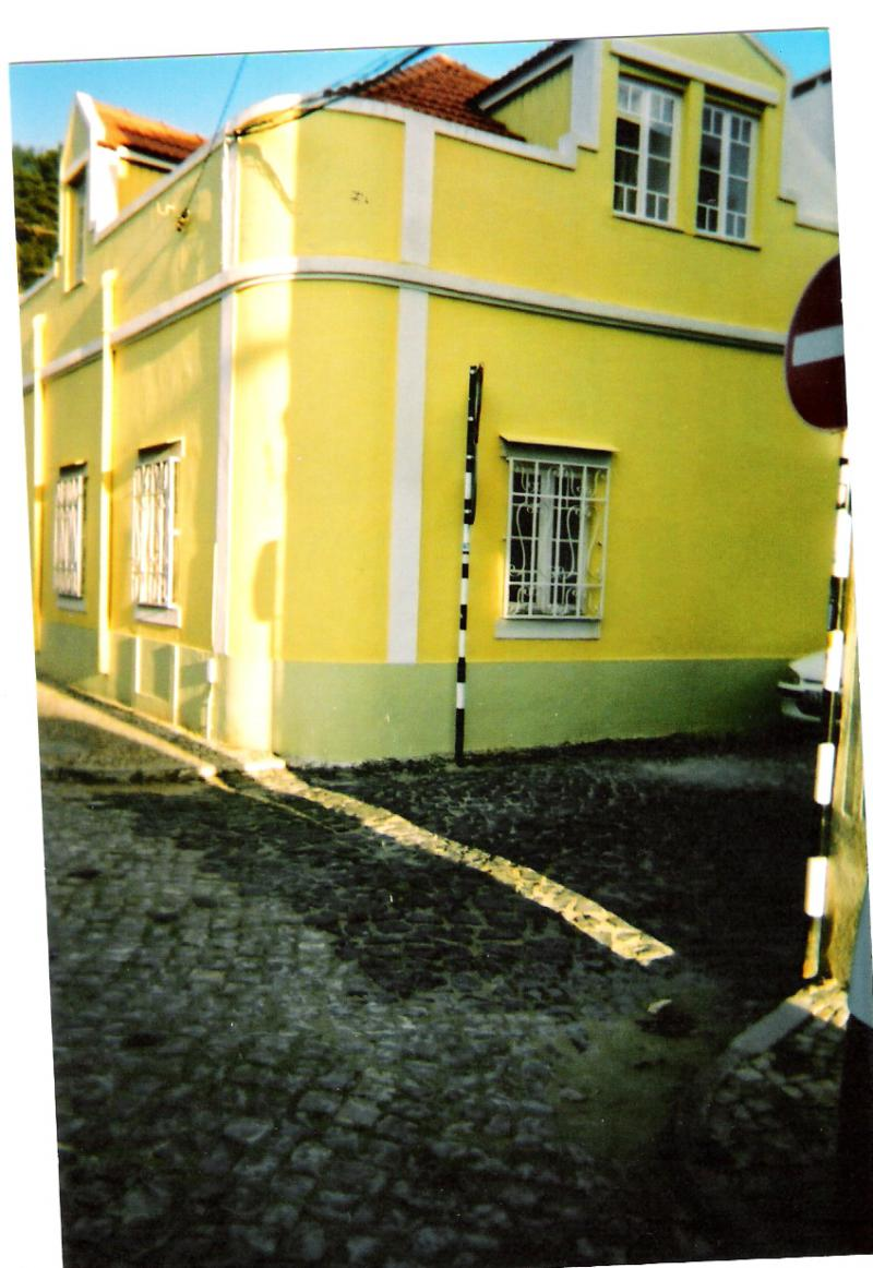 casa amarela.jpg