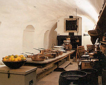 old_kitchen_large.jpg