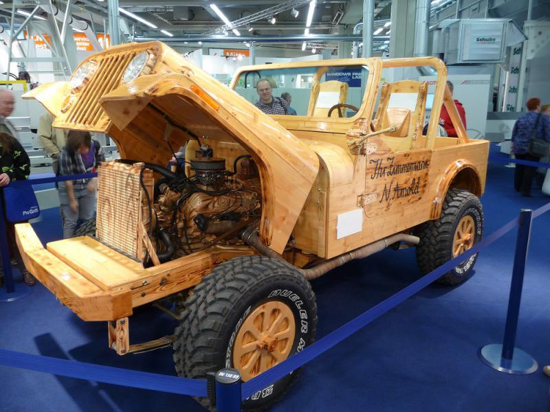 Ein-Jeep-aus-Holz-Nuernberg-Messe-a20631914.jpg