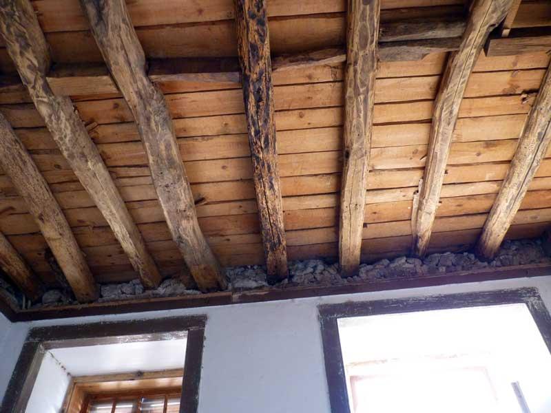 Que isolamento para paredes de madeira forradas com pladur for Planchas para forrar paredes interiores
